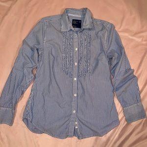 Long sleeve American Eagle button down shirt.